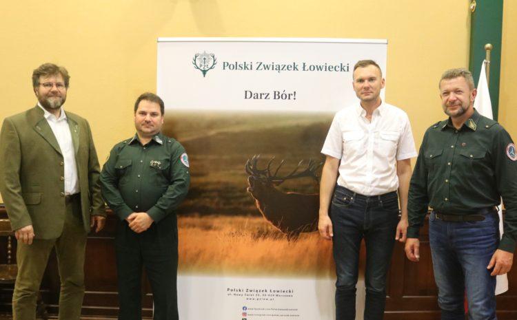 Spotkanie z przedstawicielami Polskiego Stowarzyszenia Myślistwa Łuczniczego